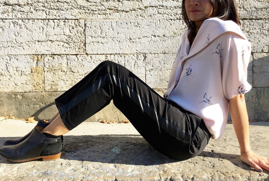 Blouse Carla by Wear Lemonade x Toto - Pantalon Bruges by Orageuse - bottines Sezane - mode - couture