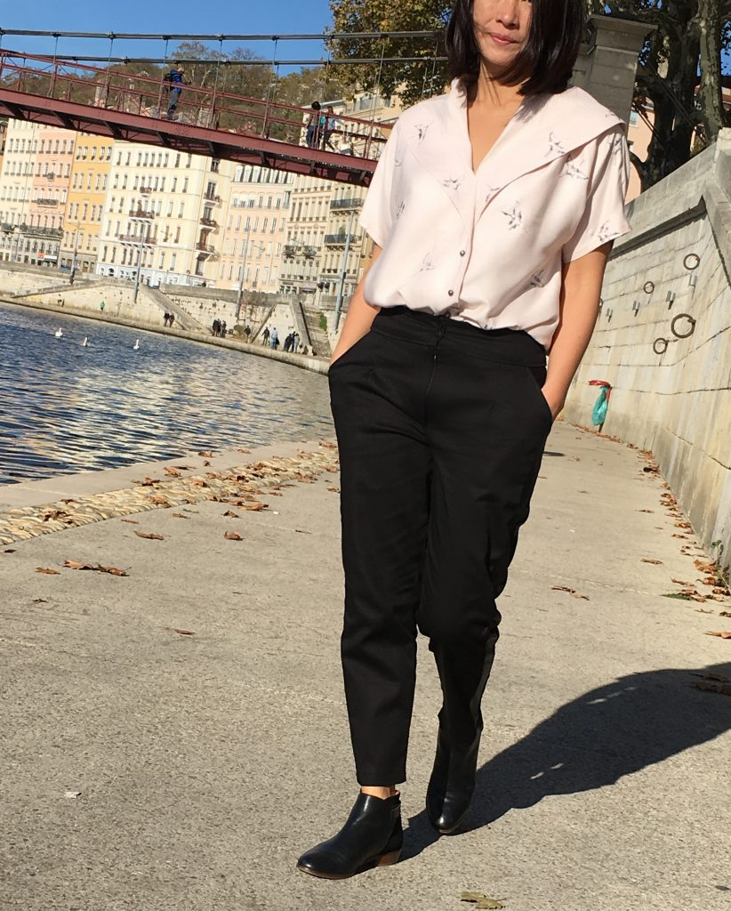 Pantalon Bruges by Orageuse - Blouse Carla by Wear Lemonade - Bottines Sezane mode couture